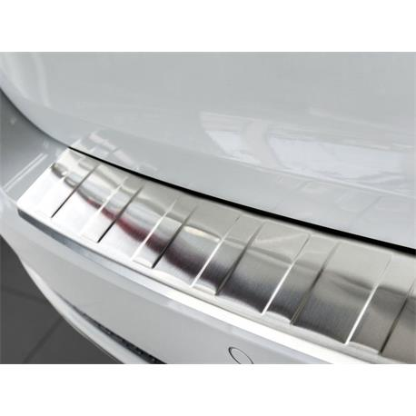 Ladekantenschutz Edelstahl für Mercedes GLA ab 3/2014